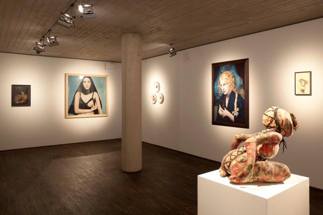 Installationsansicht, Alles Kannibalen, 2011, © me Collectors Room Berlin, Foto: Jana Ebert 1