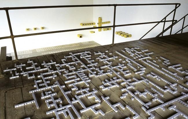 Hein Spellmann: Siedlung 1997, Ausstellungansicht Kunsthalle Vierseithof Luckenwalde, 2012