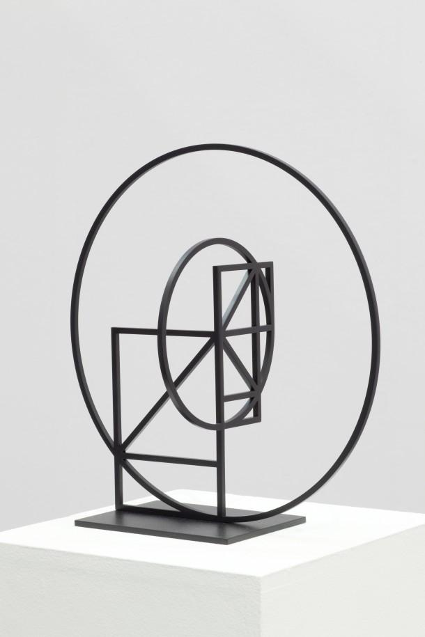Knut Henrik Henriksen: Ohne Titel, 2011 /Stahl, Lack, 30 x 30 x 15 cm, Privatsammlung, © Courtesy: Sommer & Kohl, Berlin