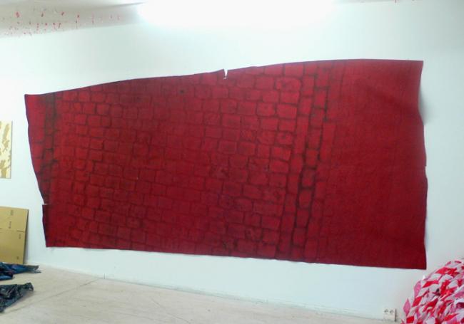 Stefanie Pürschler: Hafenstrasse. Relief-Teppich, 200 x 450 cm, 2007 © Stefanie Pürschler
