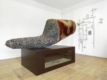 Michael Sailstorfer: 3 falsche Perser, 2004. Ausstellungsansicht Haus am Waldsee 2014 Berlin, Foto: Bernd Borchardt