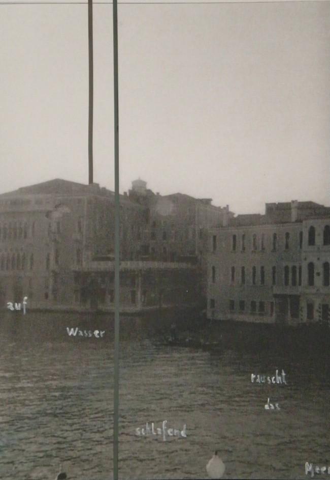 """Gregor Hildebrandt: """"Im Raum (auf Wasser…)"""", 2004. Courtesy the artist and Wentrup, Berlin"""